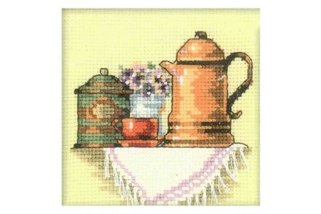 Вышивка за чашкой кофе